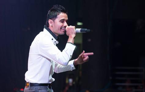 d7 singing